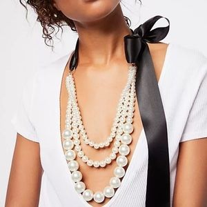 Free people now pearl strand necklace NWT $58